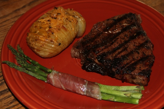 Easy Sunday Dinner: Steak, Hasselback Potatoes and Prosciutto Wrapped Asparagus