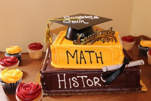 Publix's Book Style Graduation Cake