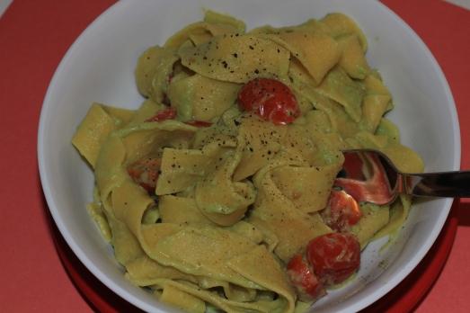 Easy Creamy Avocado Pasta Sauce
